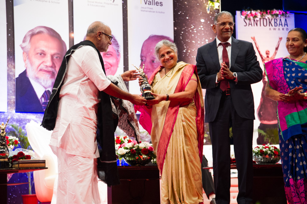Smt. Sudha Murthy receiving Santokbaa Award – 2012